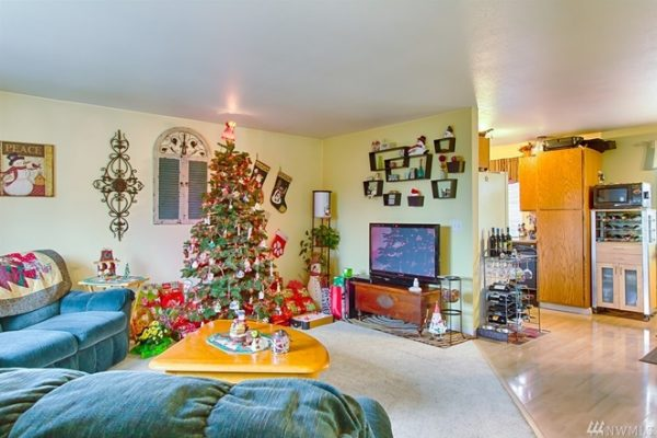 christmas tree in real estate